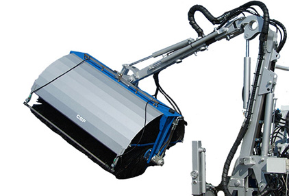 solar-panel-washer-for mini loader