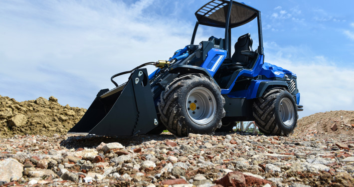 Mini loader MultiOne